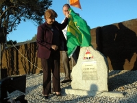 The Cuban Ambassador Teresita Trujillos unveils the memorial
